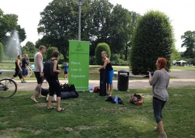 Gratis yoga i Kildeparken 3-8-13